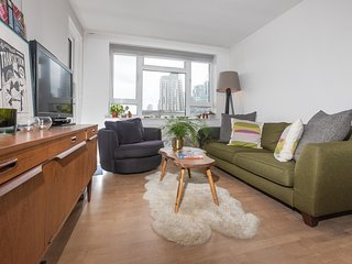 Lovely 2-Bed Apartment w/Balcony nr River Thames