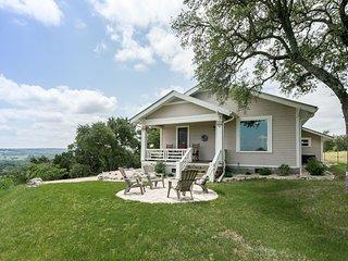 Lookout Hill Cottage | Fredericksburg Vacation Rental