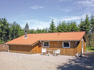 Beautiful home in Toftlund w/ 2 Bedrooms