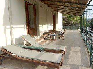 La Bouganville apartment big terrace - 400 m  dal mare - WIFI