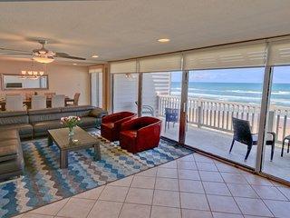3 BEACHFRONT BALCONIES!! Perfect Ocean view!  Pet Friendly, wifi.