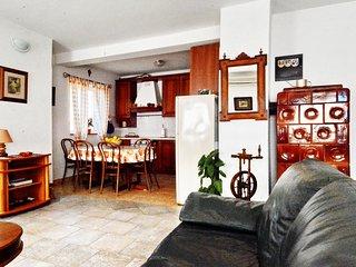 Apartment Eni