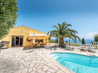 211056 villa for 6 people with panoramic seaview, pool 8 x 4, beach & center 3km