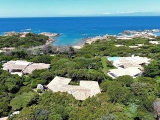 4 bedroom Villa with Walk to Beach & Shops - 5696797
