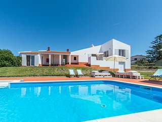 5 bedroom Villa with Pool and WiFi - 5806065