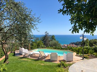 3 bedroom Villa with Pool and WiFi - 5803842