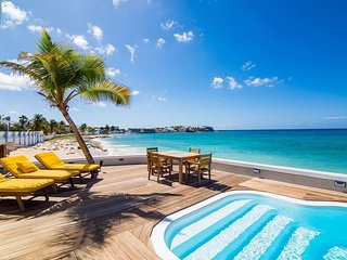 MARY'S BEACH ESTATE... a plane watcher's dream! Huge observation deck at this be