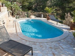 La Revista Villa Sleeps 8 with Pool Air Con and WiFi - 5805578