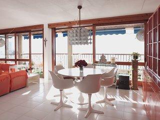 Amplísimo apartamento en primera linea de la Playa Levante de Benidorm