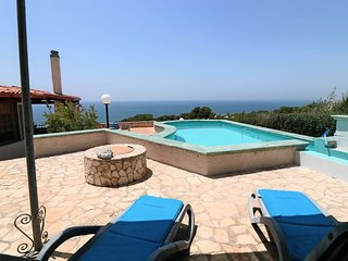 Holiday home Villa Paradiso in Patù with pool and sea view