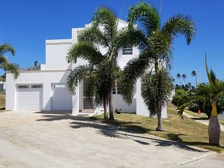 Private Family Vacation Home-4 bedroom-Gated Community