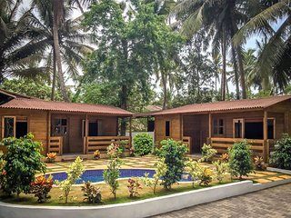 The Oasis at Betalbatim - 2 Boutique Luxury Cabins and Homestay