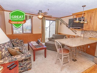 NO BAIT & SWITCH PRICING Includes Parking/Cleaning/Wi-Fi 1BR/1BA Sleep 4 ML326