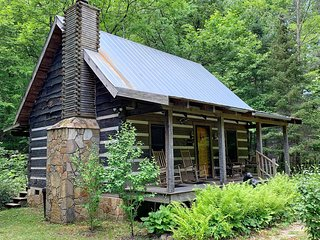 Creekside Log Cabin Rental: Cherry Bluff