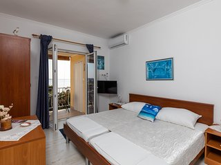 Apartments Belenum - One-Bedroom Apartment with Balcony and Sea View (no.3)