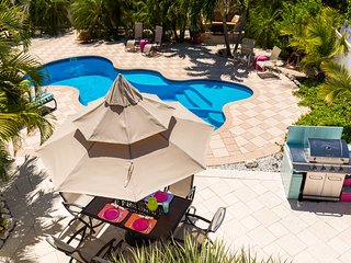Dragonfly Lite A Private home in a tropical setting with your own pool to enjoy!