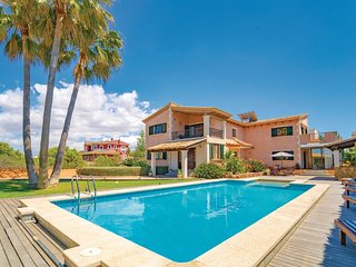 Amazing home in Sa Torre w/ WiFi, Outdoor swimming pool and 4 Bedrooms (EMA133)