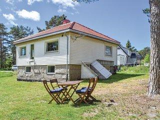 Nice home in Slattum w/ 3 Bedrooms