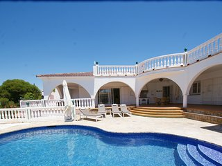 4 BED 3 BATH VILLA WITH PRIVATE POOL & ROOF TOP TERRACE WITH PANORAMIC VIEWS