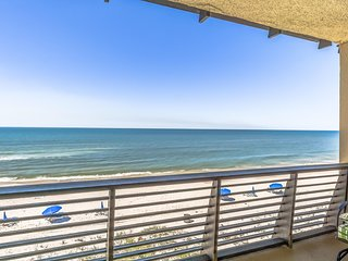 Coastal Breeze 1BR/1BA Updated Beachfront Condo Sleeps 1-4