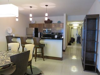 3 Bedroom Condo on beach, kitchen, pool, gym, 2 restaurants. Not All inclusive.