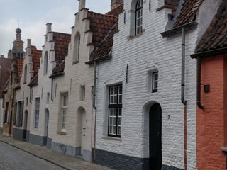 Cozy typical Bruges house in historical center