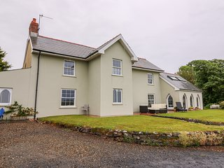 CRACKWELL FARM, perfect for families, pets, Penally