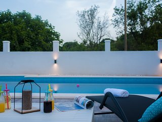 Central Dalmatian Pool&Grill Apartments