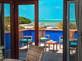 Premium Honeymoon Suite in Sorobon Apartments