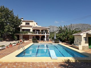 Prachtig groot vakantiehuis met zwembad.