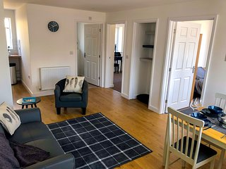 Low Cost, 4 Bed, Ground Floor Apartment + Parking