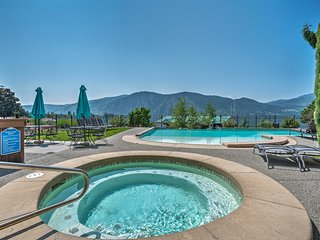 NEW! Resort Condo on Lake Chelan w/ Infinity Pool!