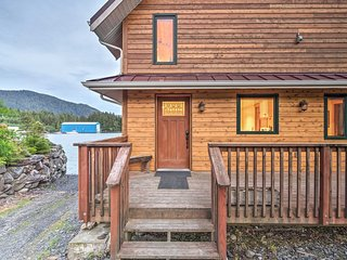 NEW! Ketchikan Apt - Walk to Refuge Cove Beach!