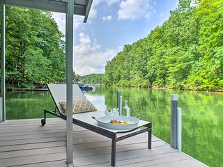 NEW-Updated Home w/ Dock & Deck on Tims Ford Lake!