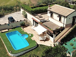 Spacious Villa Sole Country House with private pool