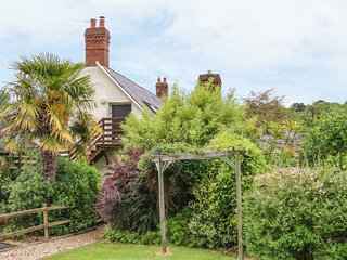 FIG TREES - WIBBLE FARM, first floor apartment, character features, ideal for