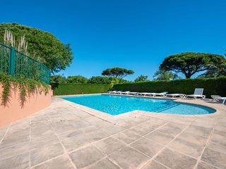 1 bedroom Villa with Pool, WiFi and Walk to Beach & Shops - 5796454