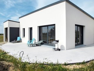 2 bedroom Villa with Walk to Beach & Shops - 5806373