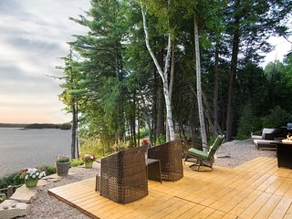 LUXURY MAINE GETAWAY - PRIVATE BEACH/KAYAK/SHOP/DINE!