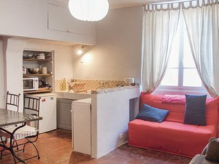 Awesome home in Barjac w/ WiFi and 1 Bedrooms (FLG449)