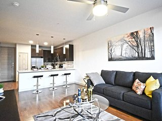 ⭐️⭐️⭐️ Corporate Apartment Uptown Dallas/Parking