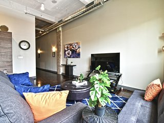 Artistic Corporate Apt Downtown+Valet Parking