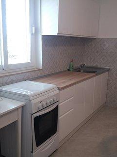 Three-Bedroom apartment New kitchen, renovated 2019