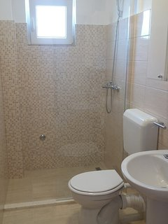 Three-Bedroom apartment - New bathroom with shower instead bath! Renovated 2019