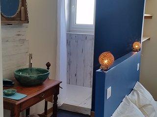 Salle de bain dans la suite parentale.