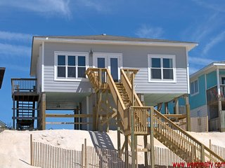 3 Bedroom, Oceanfront - Moondoggy