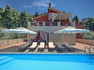 Luxury Villa Amaryllis by Kardous Skopelos villas, your dream becomes reality!