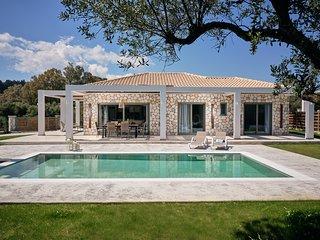 Gerakas Luxury Villas