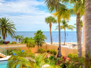 Exquisite Ocean View Pool Home with Hot Tub and 40 foot Dock