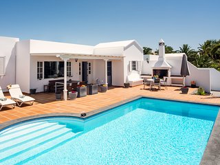 Villa Manuela | Detached villa in the exclusive marina of Puerto Calero